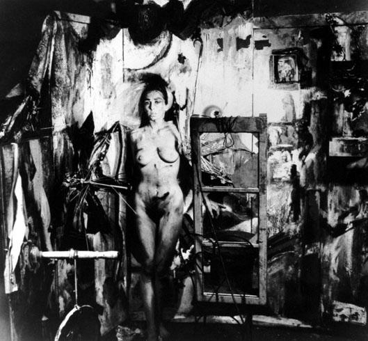 Carolee Schneemann, Eye Body, 1963, źródło: CEPA Gallery.org