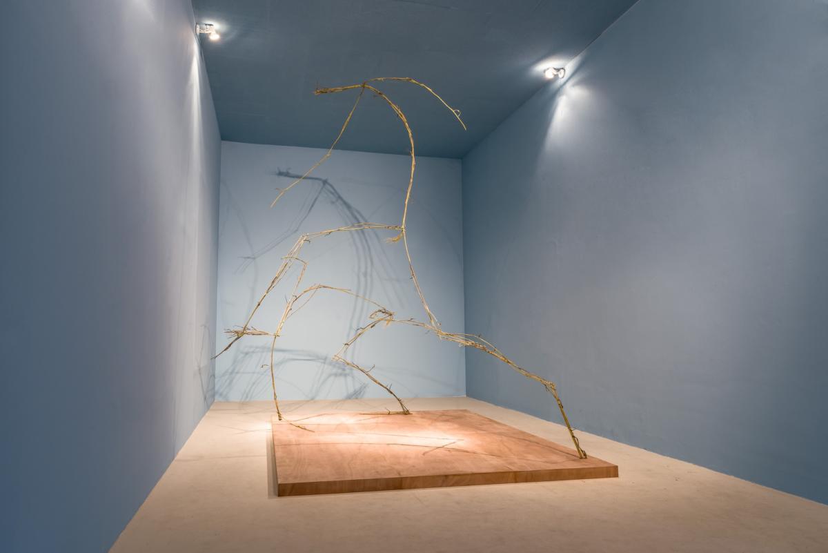 """Polemiki potekście """"W galeriach rzeźba, nałamach poezja"""": Wielebska, Zmyślony, Banasiak"""