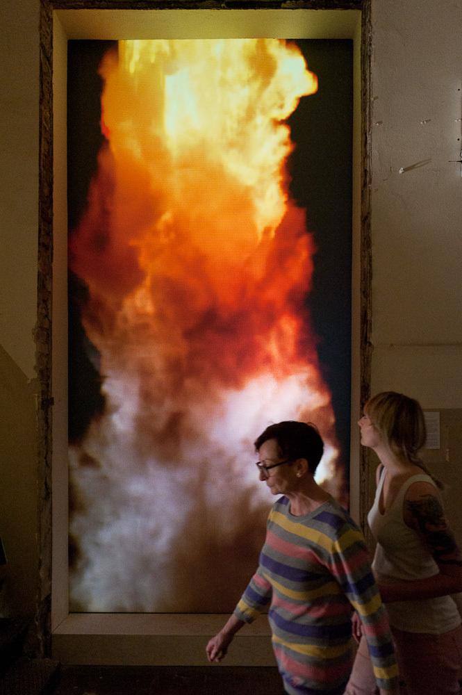 "Maja Wolińska,""Purifying fire"", fot.Peter Kreibich"
