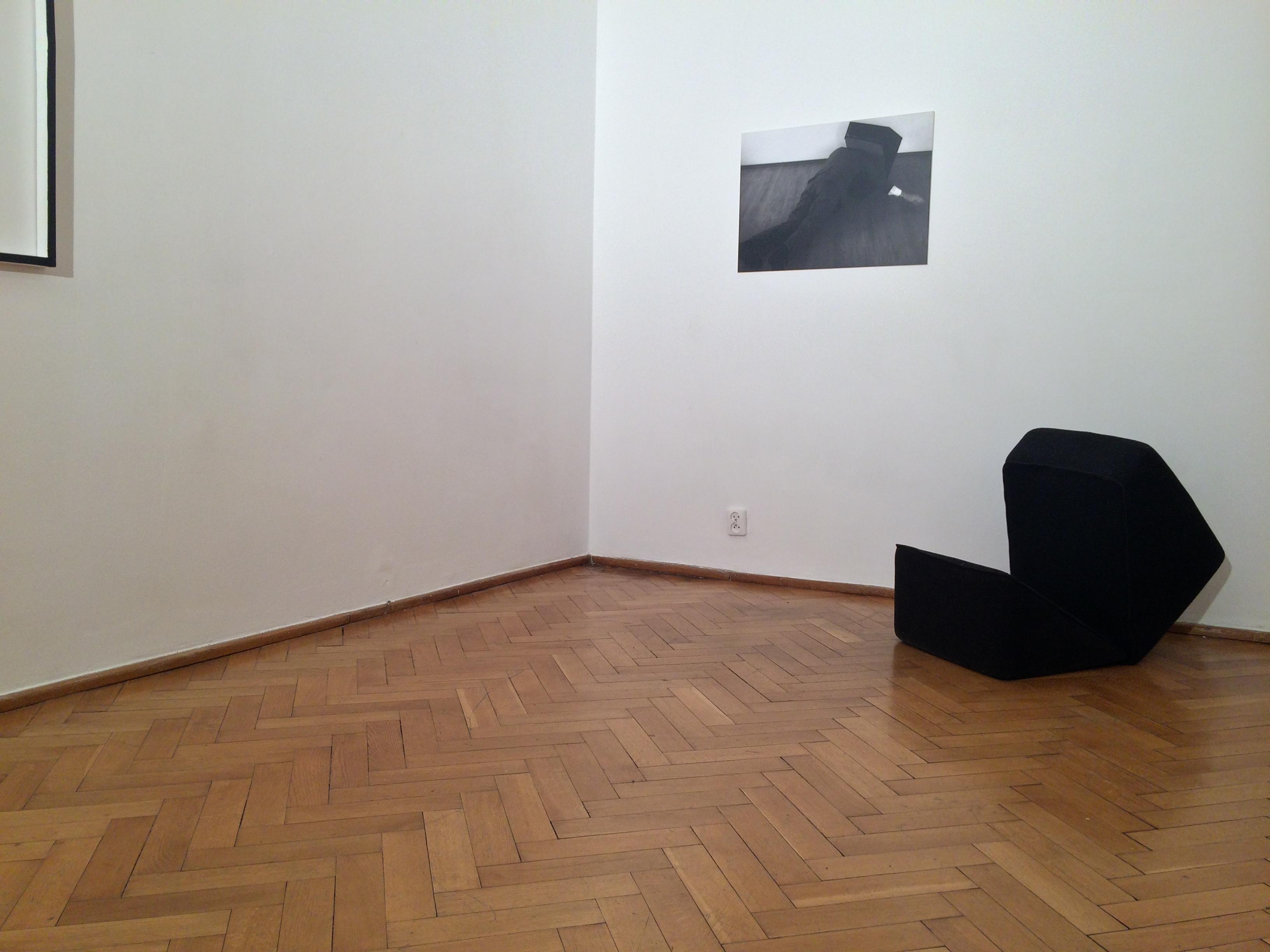 Tomek Baran, Bez tytułu, 2010; Bartosz Mucha, Kostka ludzika, 2005