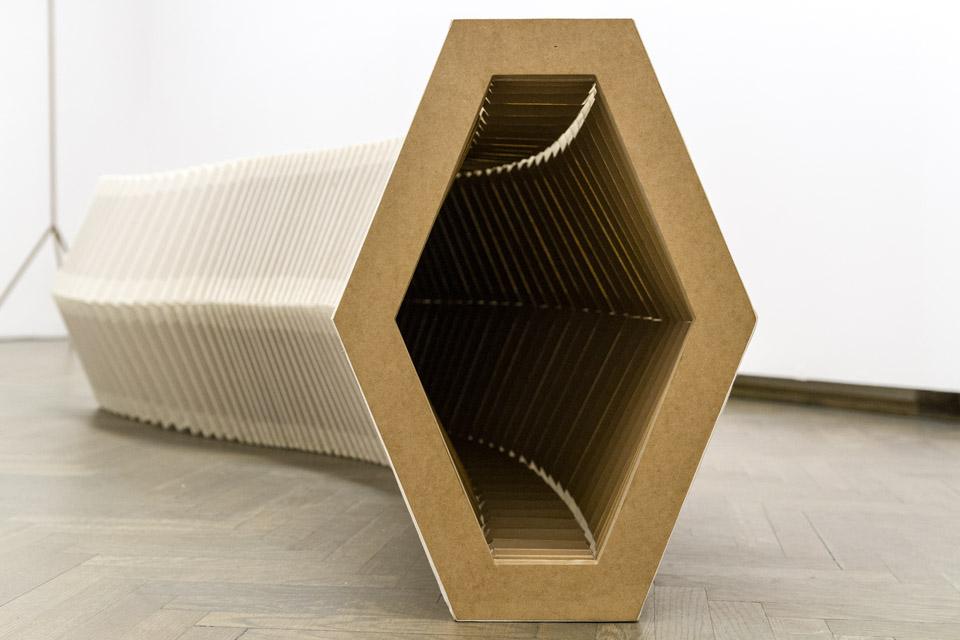 Iza Tarasewicz, . Dimensional Compression  2014, mdf, płótno