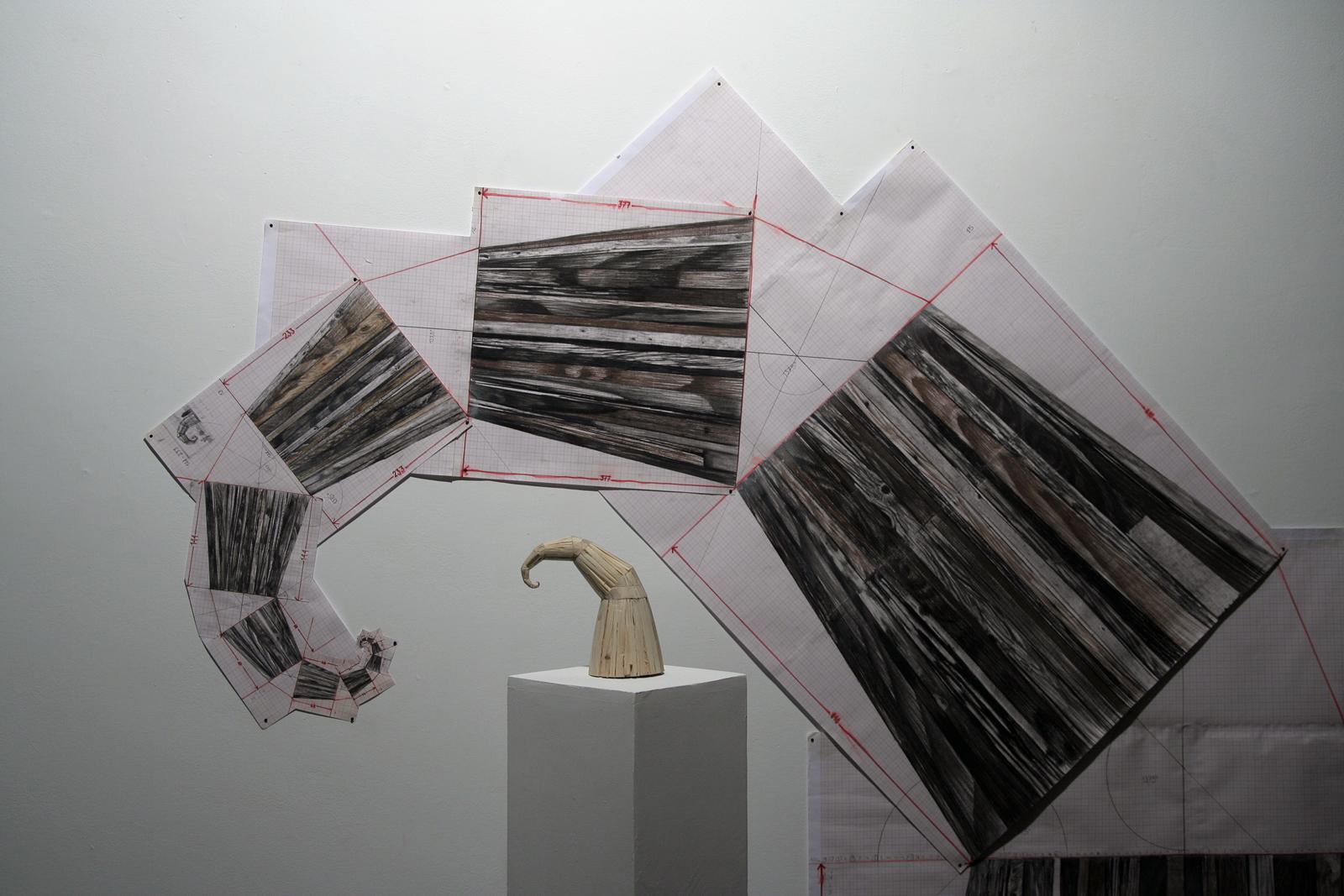 Szymon Kobylarz, Beztytułu (1-11), obiekt, drewno, 2015; Beztytułu (1-16), rysunek 1:1, 2015
