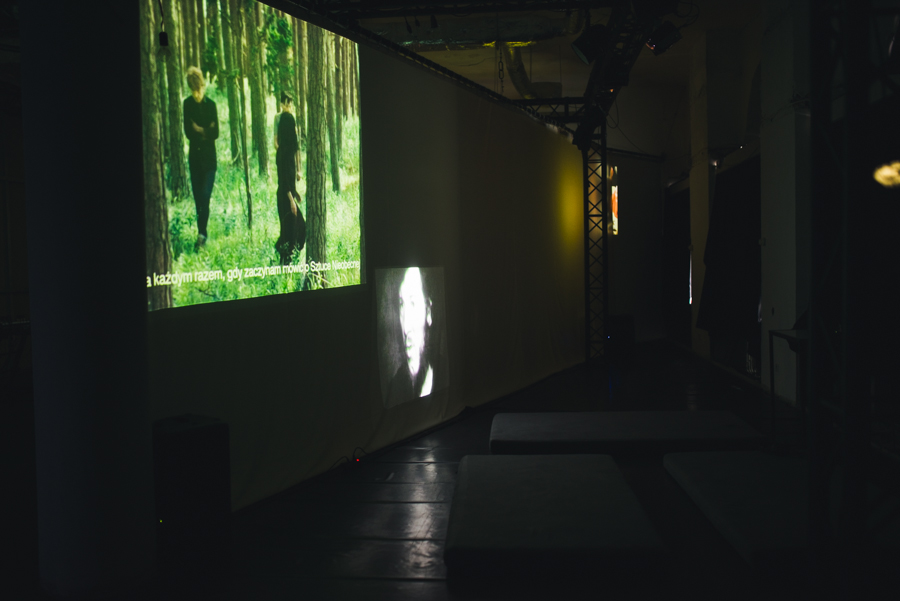 Agnieszka Polska, Future Days, 2014. Zbigniew Warpechowski, performance stworzony napotrzeby filmu Champion off