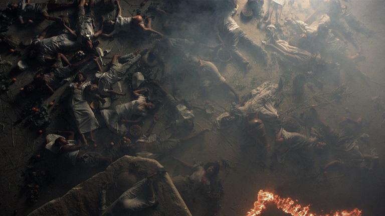 Yael Bartana, Inferno, 2013, kadr wideo, dzięki uprzejmości Petzel Gallery, New York; Annet Gelink Gallery, Amsterdam, and Sommer