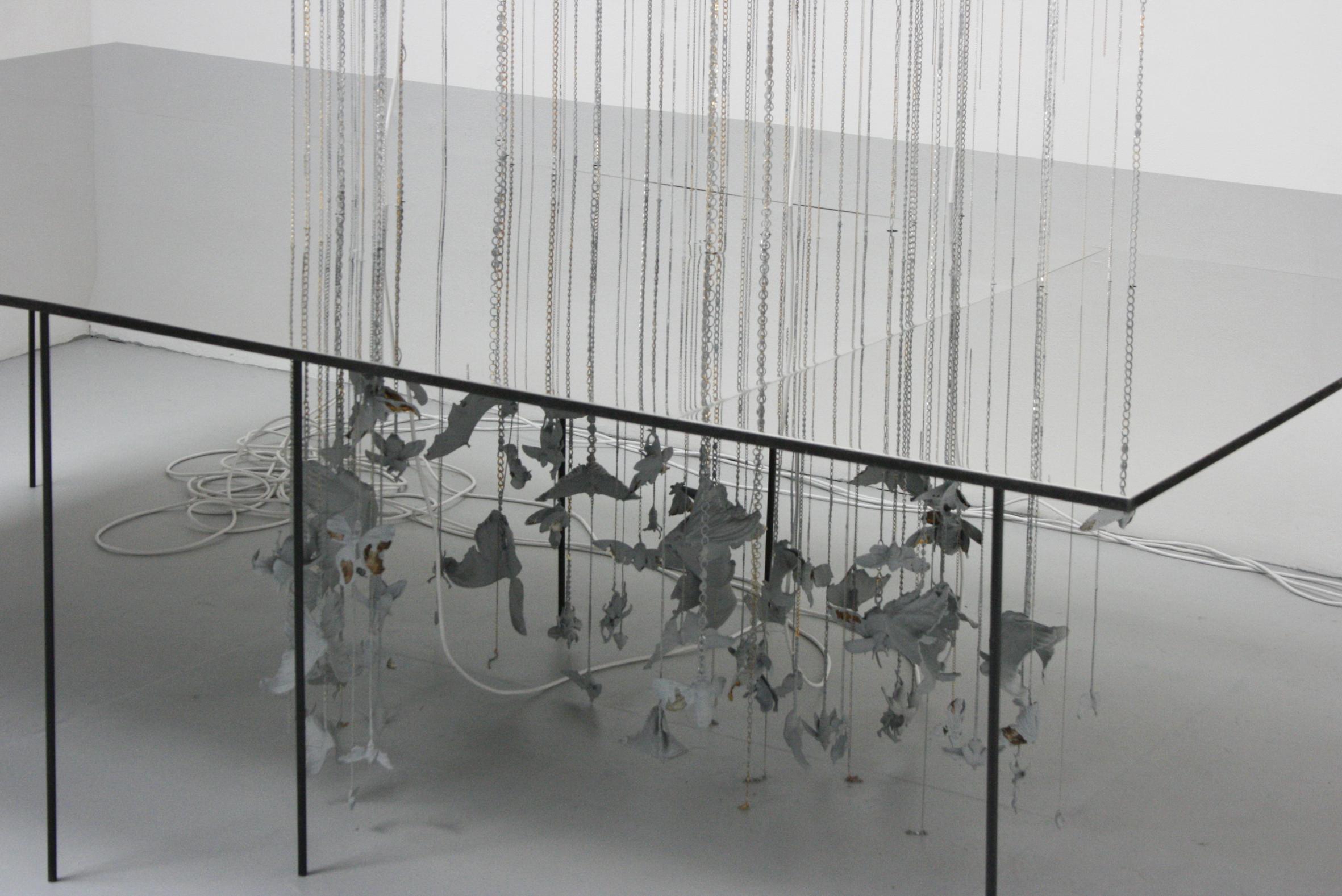 Hirofumi Isoya, instalacja, fragment