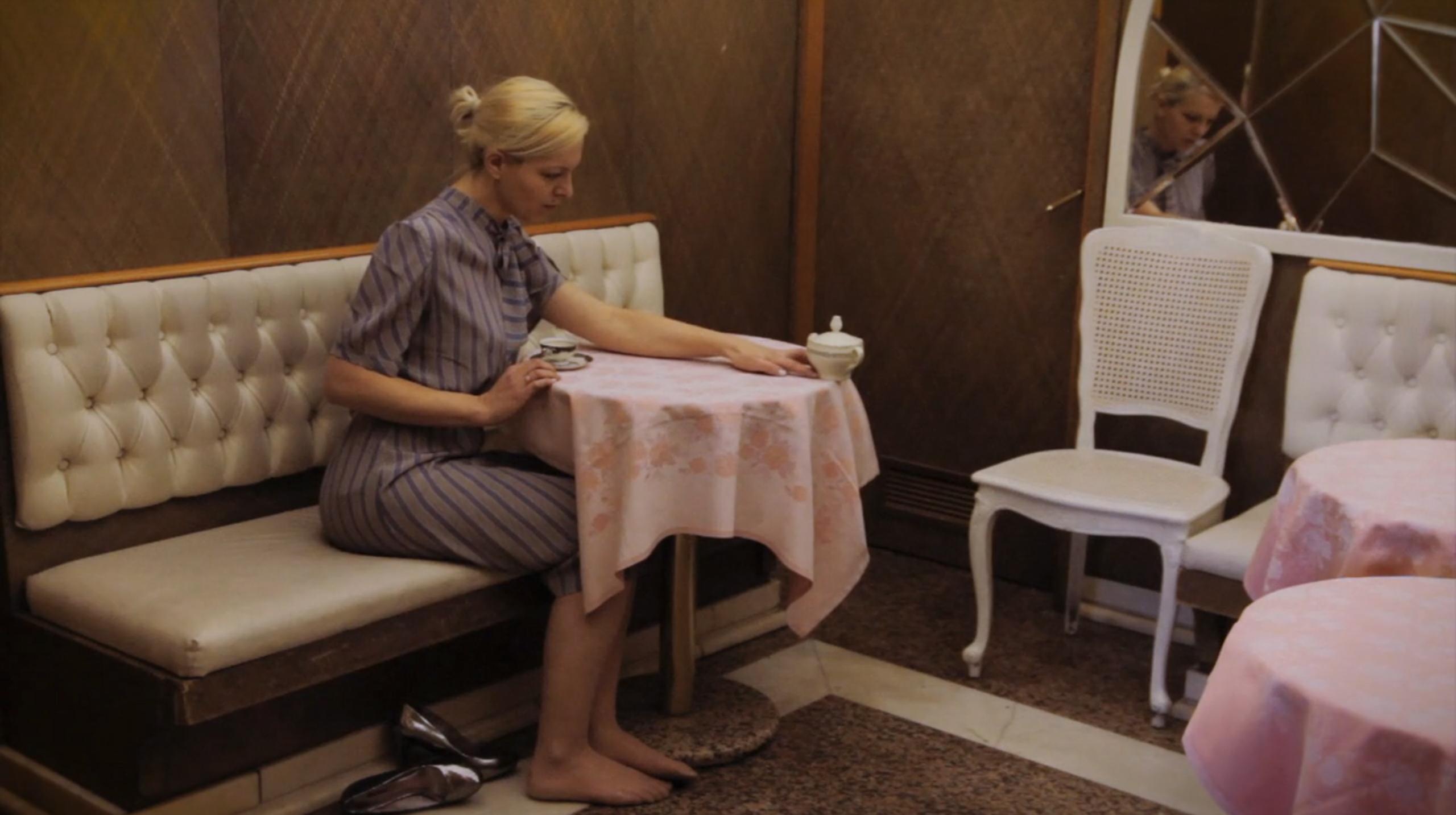 Karolina Breguła Cukiernica, wideo, performance dokamerowy, 2015, dzięki uprzejmości artystki igalerii lokal_30