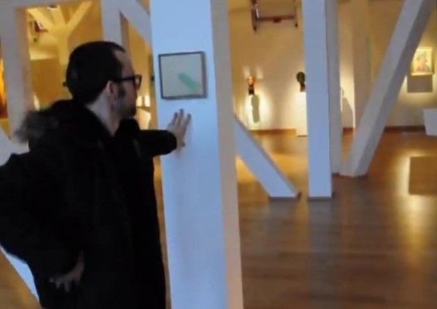Andrzej Sobiepan, PZB, kadr zfilmu wideo zakcji wMuzeum Narodowym weWrocławiu