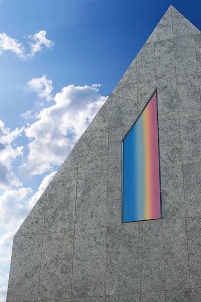 Museum Jerke, fragment budynku zwitrażem autorstwa Wojciecha Fangora