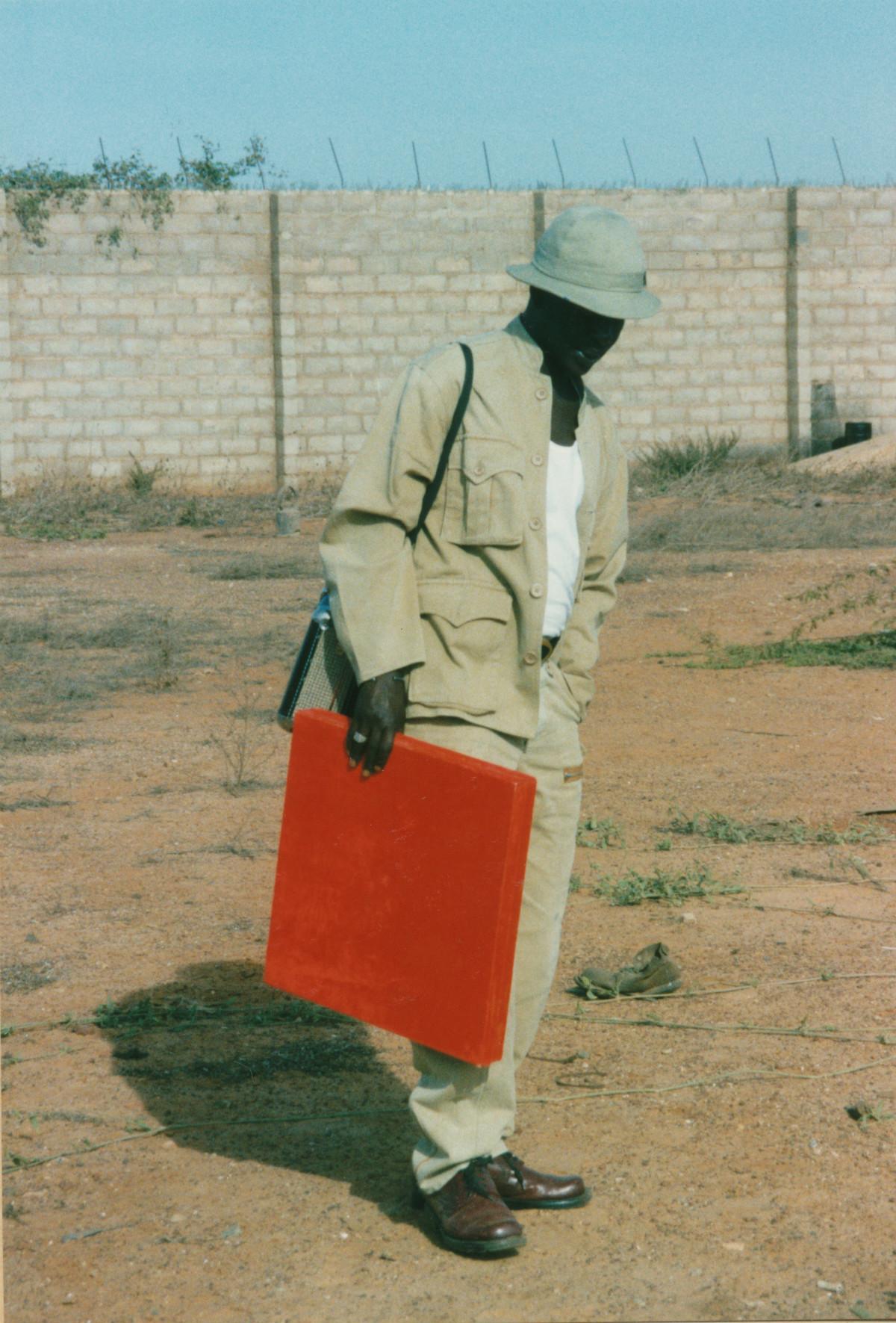 El Hadji Sy planujący Tenq 96, Dakar, Senegal 1996, fot. Clementine Deliss