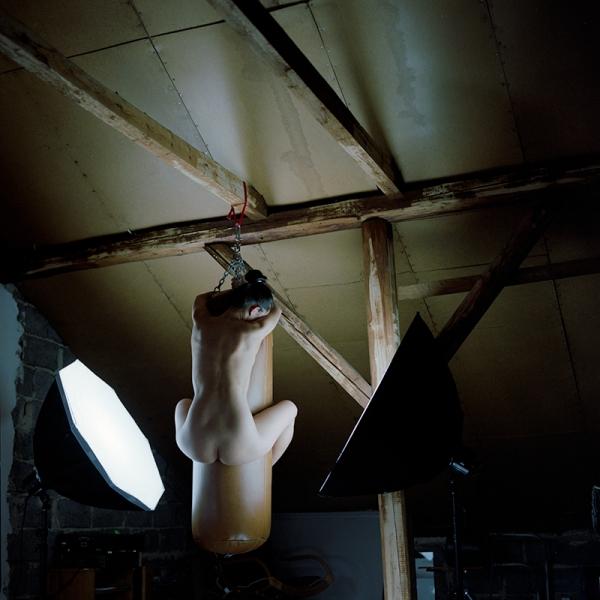 Urszula Kluz-Knopek, Bez tytułu (projekt Keep away from fire/zawsze przechodzimy), 2013