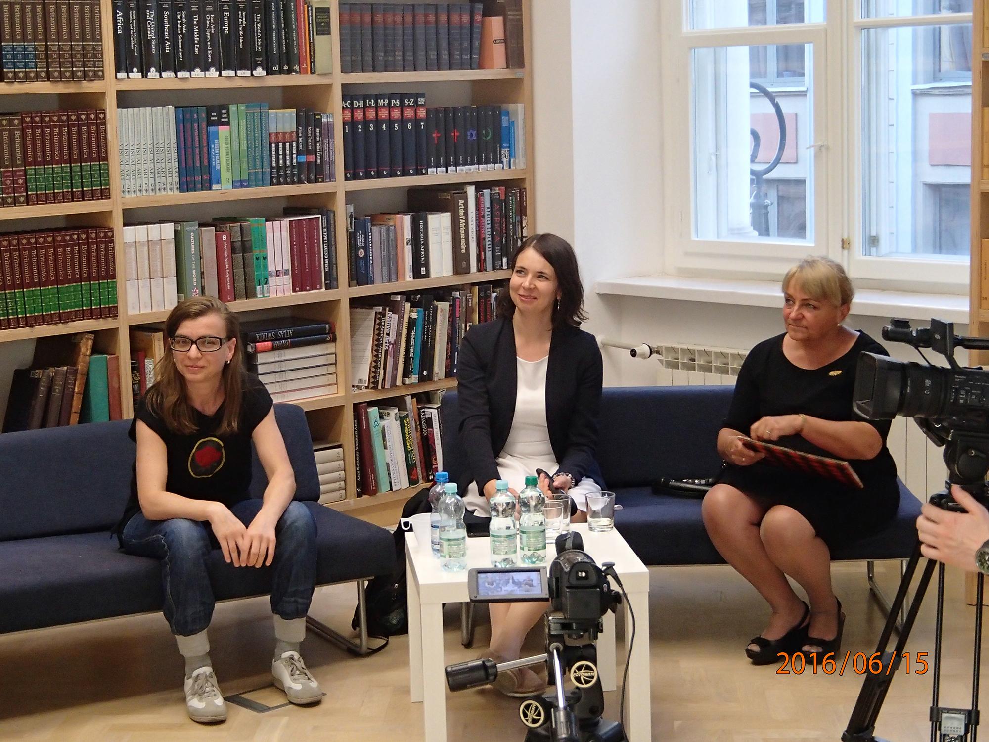 Orzeł ireszka. Polskie symbole narodowe apolityka płci, debata