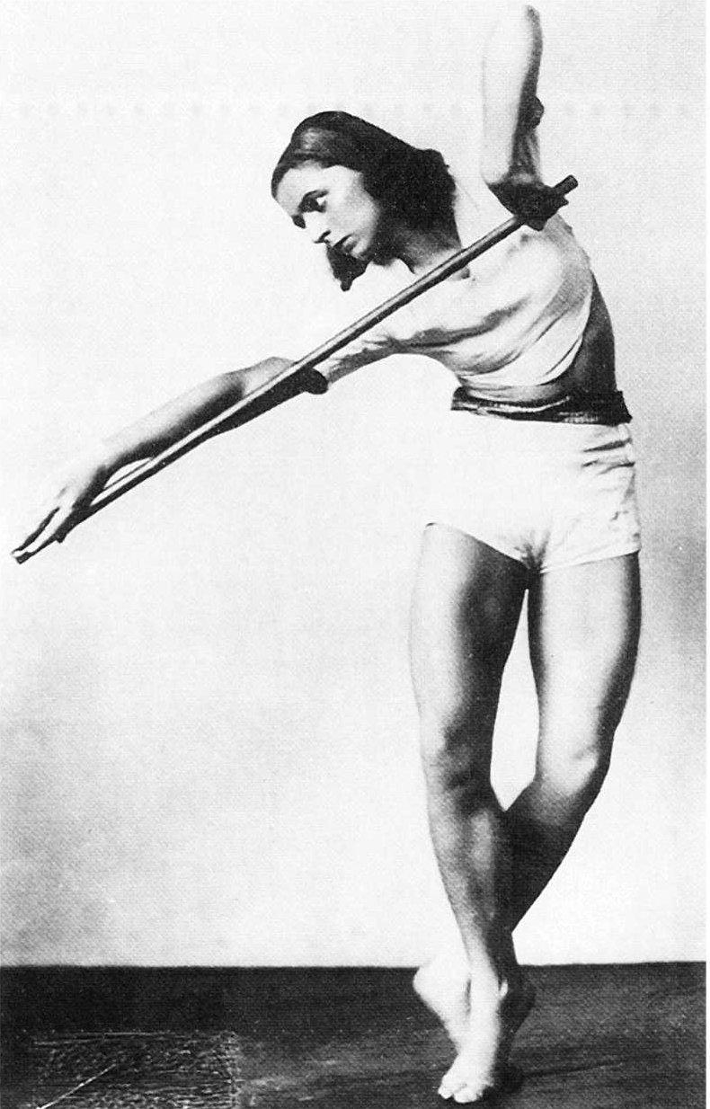 Rosalia Chladek, Taniec zdrążkiem, 1930