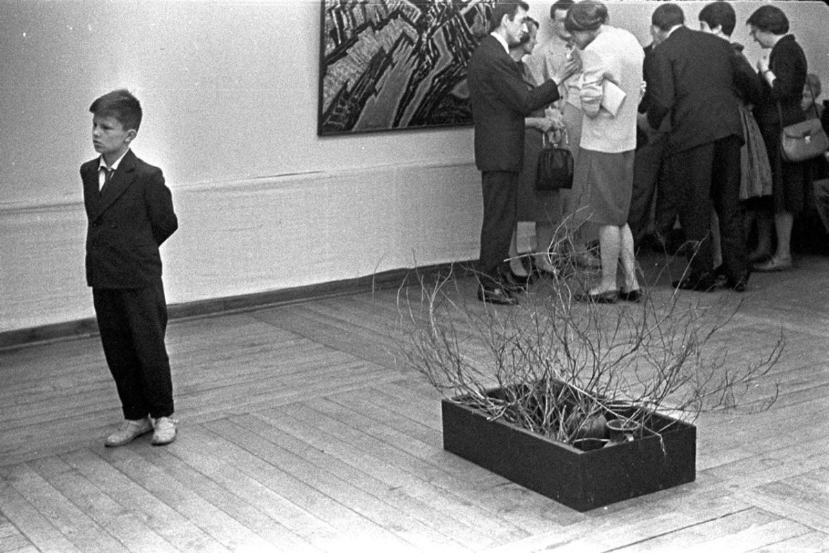 Tadeusz Rolke, Wystawa Jerzego Tchórzewskiego wGalerii Krzywe Koło, 1960
