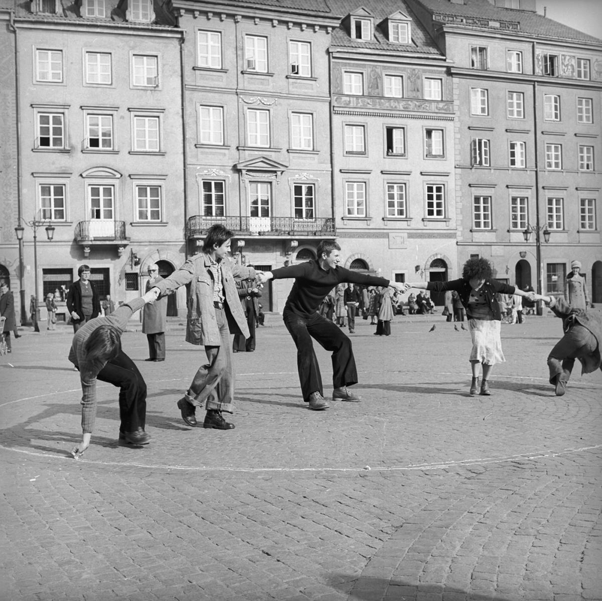 Niespokojna pewność –  Dziekanka / Warszawa – Miejsce nowej sztuki 1972–1998