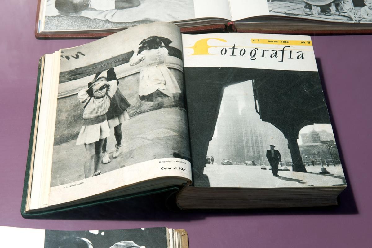 """""""Miesięcznik »Fotografia« 1953–1974"""" wMuzeum Współczesnym Wrocław / """"Fotografia Magazine 1953–1974"""" Wrocław Contemporary Museum"""