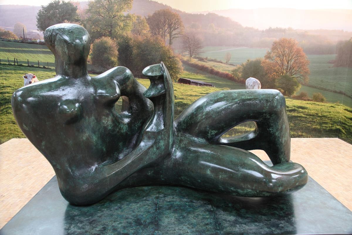 """""""Moc natury"""" Henry'ego Moore'a wCentrum Rzeźby Polskiej wOrońsku"""