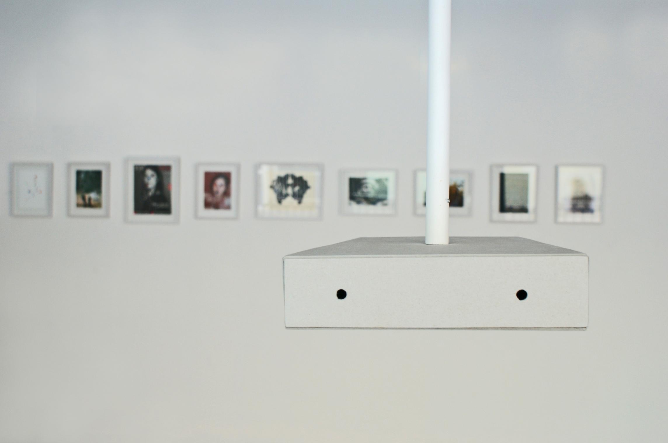 Iza Tarasewicz, 2 do2, obiekt, 2013, wtle Janek Simon, Montauk, 2013