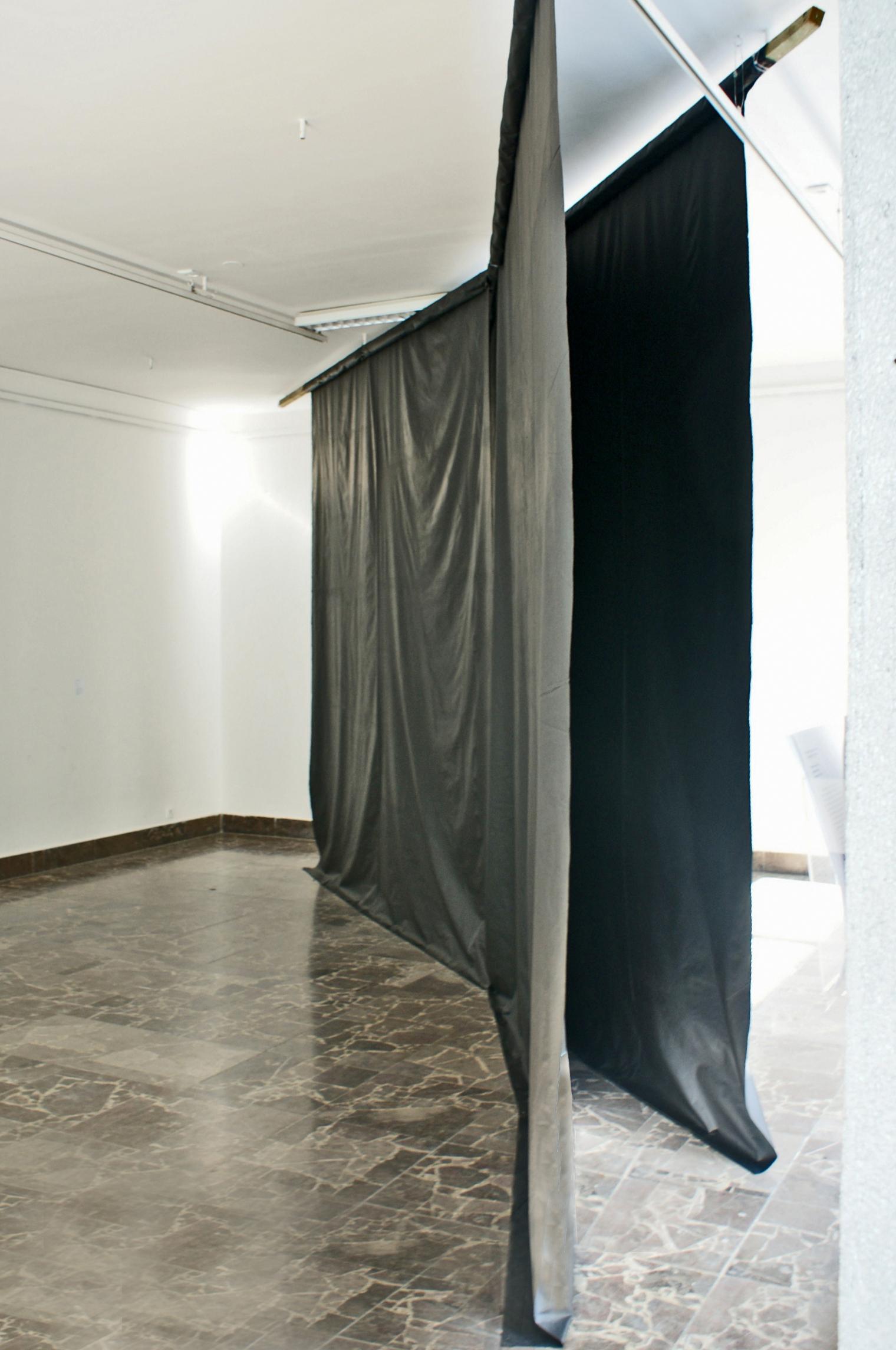 Iza Tarasewicz, X, instalacja, 2013