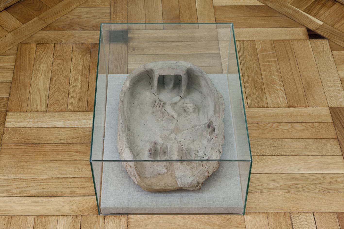 Taca ofiarna, Edfu (Egipt), glina, 10 × 31 × 40, Średnie Państwo, XII dynastia, nrinw.141475. Fot.Piotr Żyliński