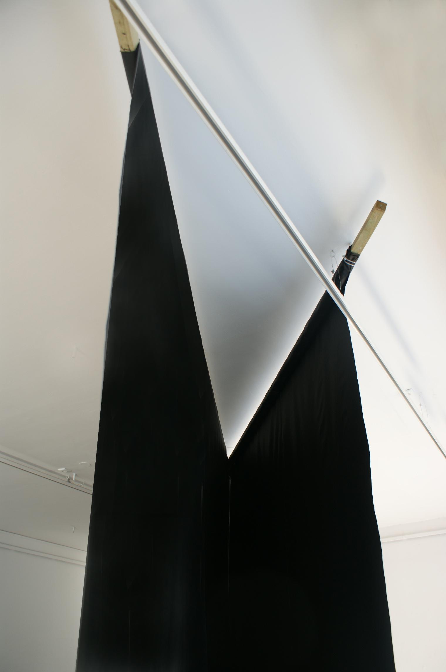 Iza Tarasewicz, fragment instalacji x, 2013