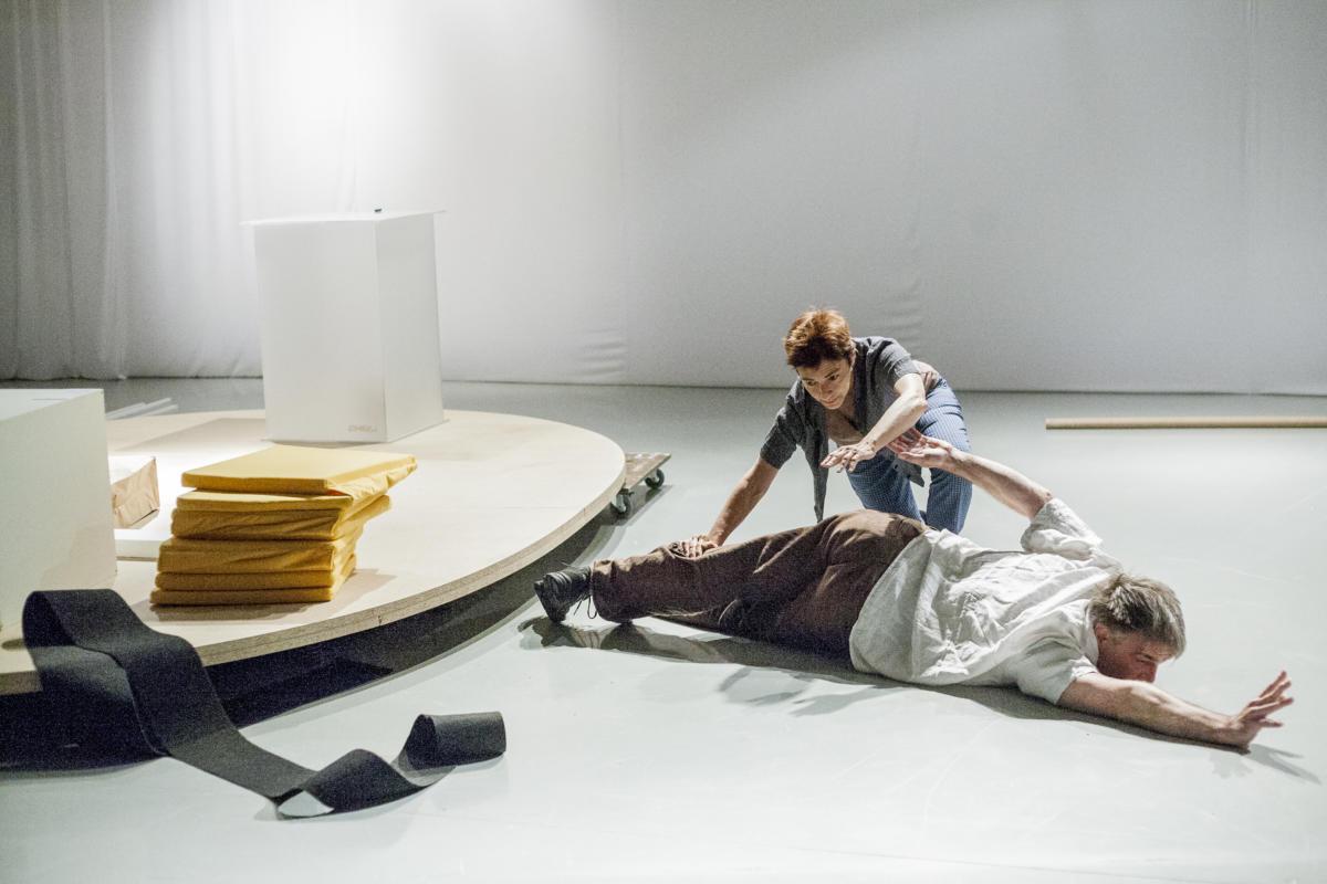 """Rzemieślnicy ciała. Rozmowa zKatarzyną Słobodą, kuratorką wystawy """"Przyjdźcie, pokażemy wam, co robimy"""""""