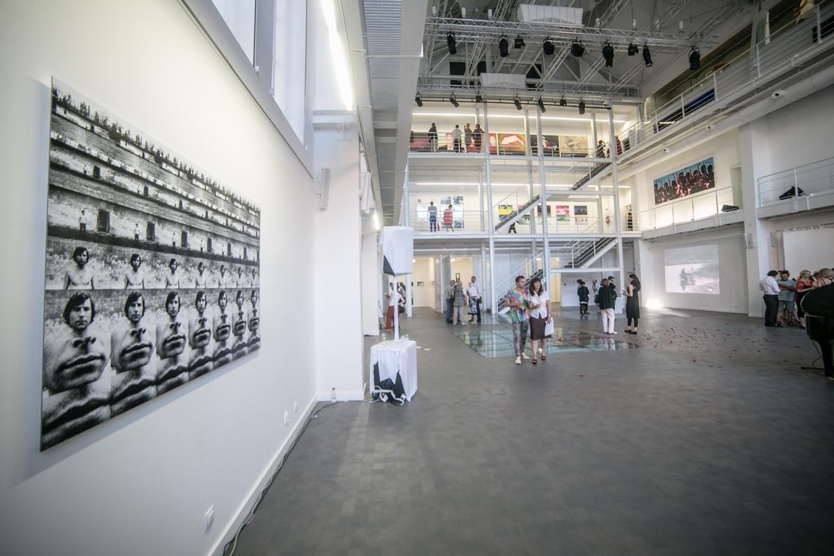 """wernisaż wystawy Ryszarda Waśki """"Genesis"""", Trafostacja Sztuki wSzczecinie, fot.Adam Słomski"""