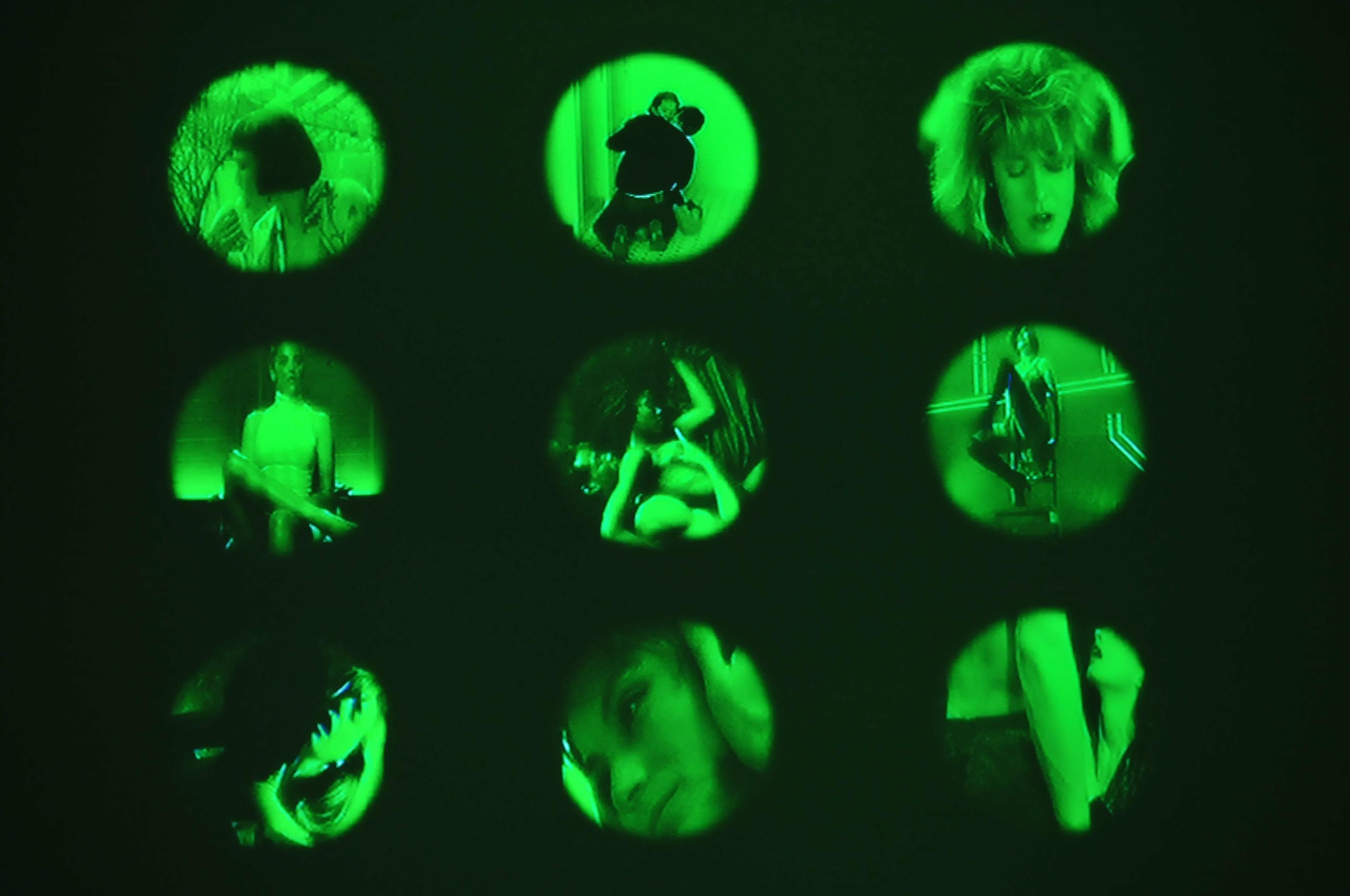 """Izabella Gustowska, """"Sztuka trudnego wyboru, Sztuka łatwego wyboru"""", 2006, wideo-instalacja, fot.Jarosław Klupś"""