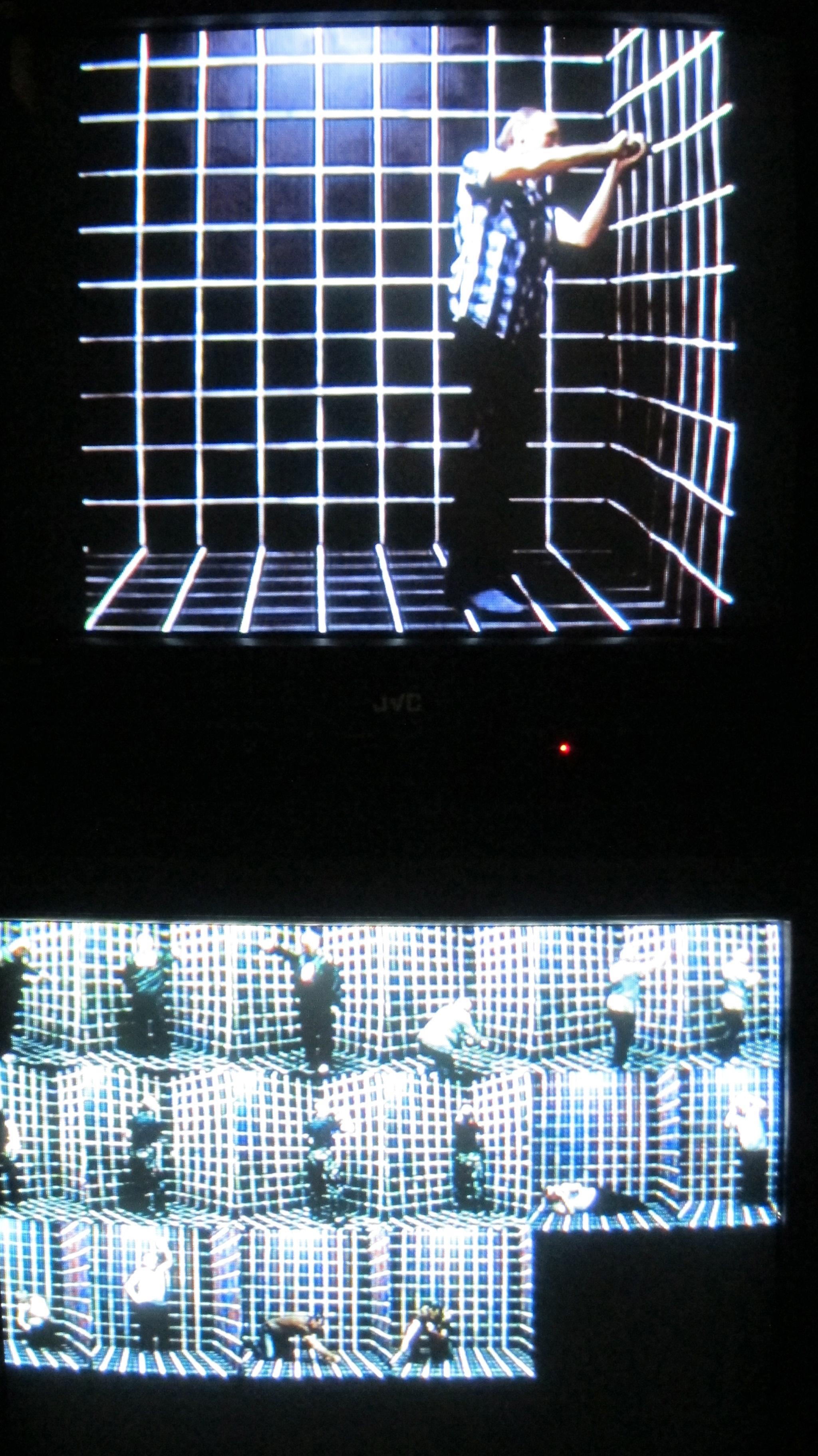 """MML Studio, """"The Shipyard Dance"""", 2013, 3-kanałowe wideo, 6:10 min. 8:25 min. 11:02 min. Choreografia/taniec: Rafał Dziemidok, muzyka: Igor Kłaczyński"""
