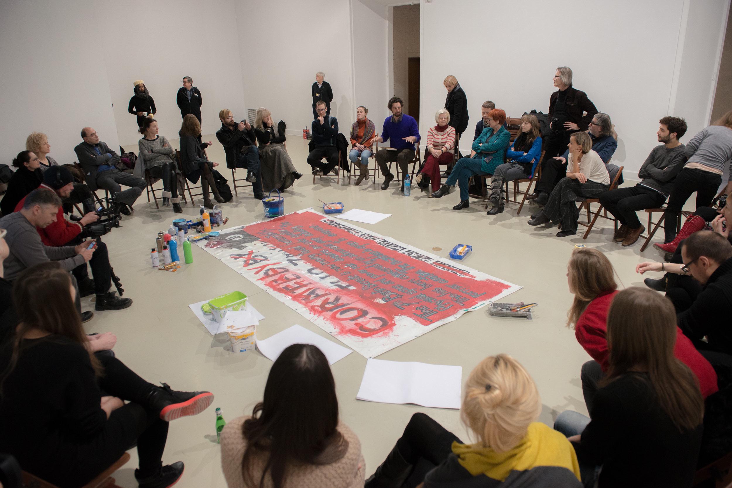 Dyskusja zorganizowana przezWHC zudziałem pracowników idyrekcji, Sala Zygmuntowska CSW, 10.12.2013, fot.Bartek Górka