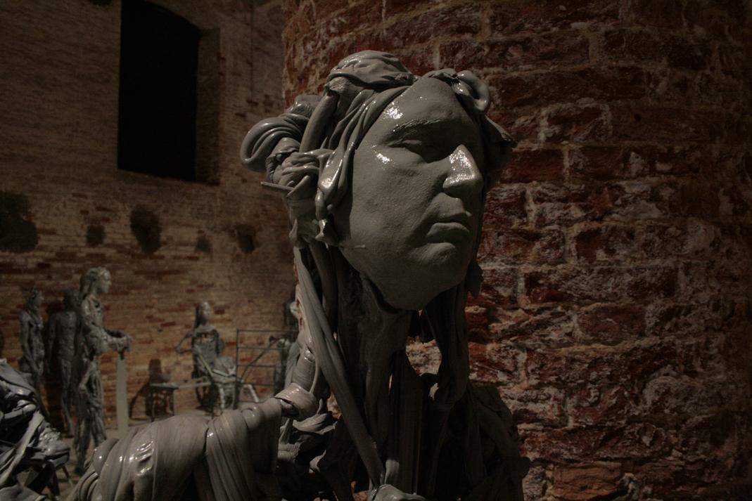 Paweł Althamer, Venetians, 2013, Il Palazzo Enciclopedico, Arsenale, Biennale wWenecji 2013, zdjęcie Contemporary Lynx