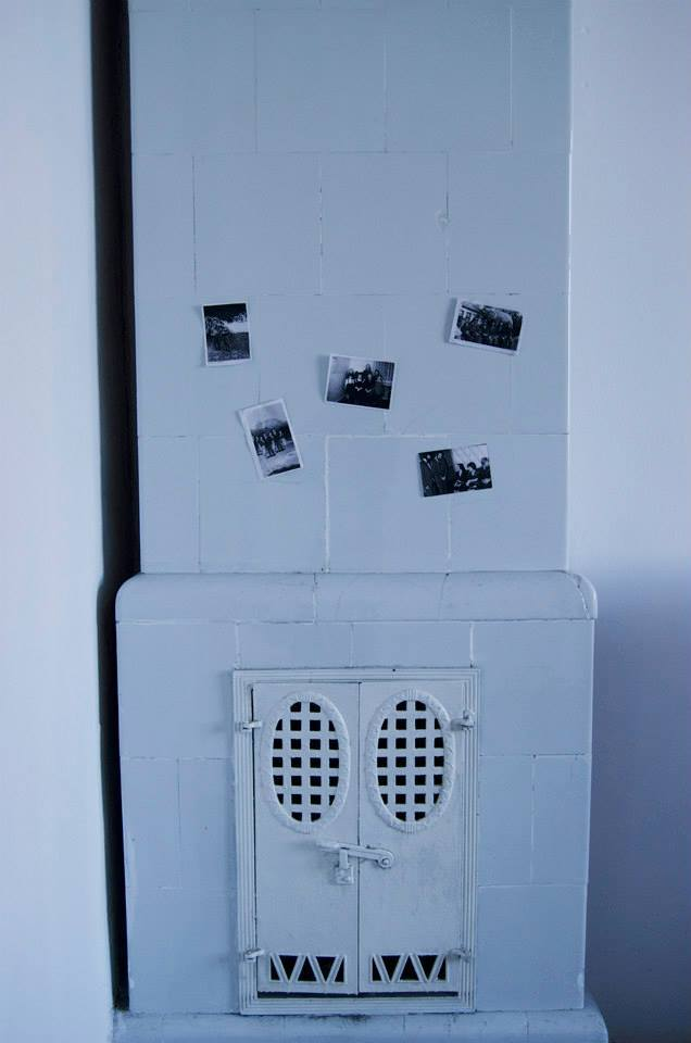 """Maciej Bohdanowicz, cykl """"Freaks"""" (2011), fotografie prezentowane wformie albumu orazpojedynczych odbitek"""