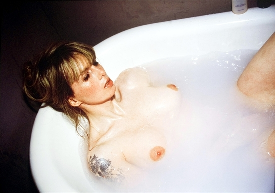 N.Goldin, Joey in My Bath Tub, 2000
