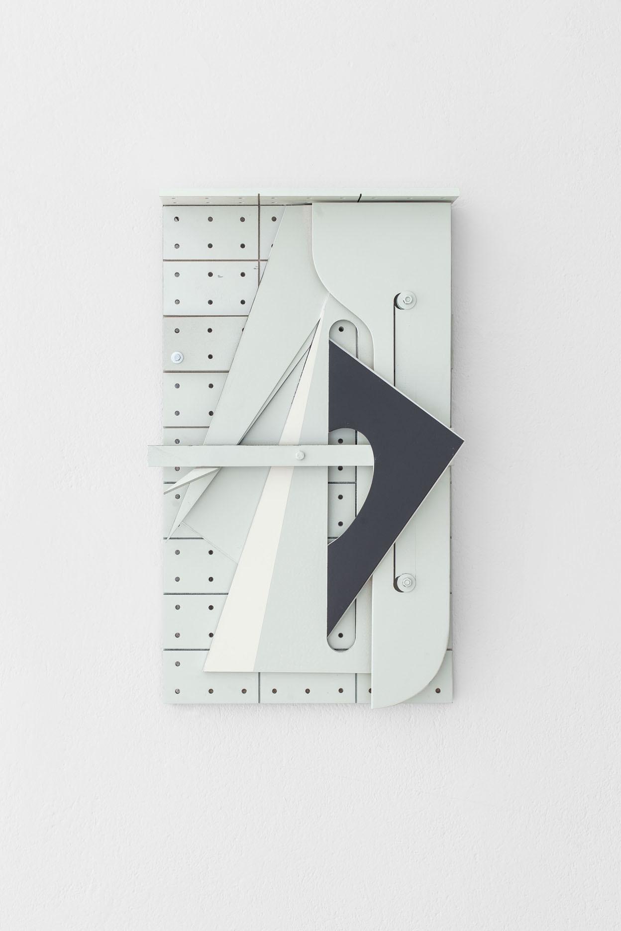 Benjamin Bronni, MT-10/4-13F, 2013,  MDF, metal, polistyren, lakier, 62 x 35 x 8 cm