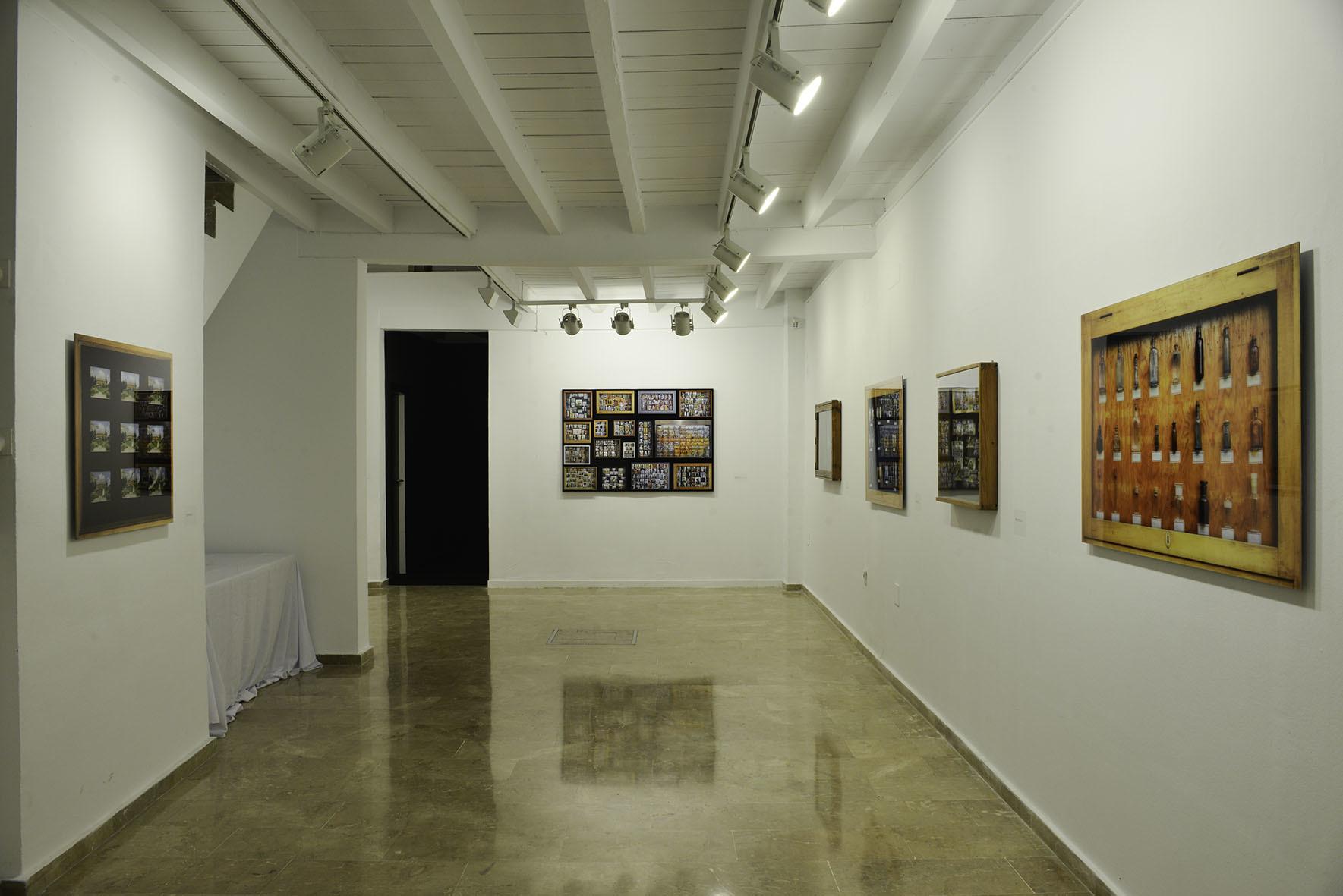 """Nicolas Grospierre, """"Typologies"""", widok ogólny wystawy"""