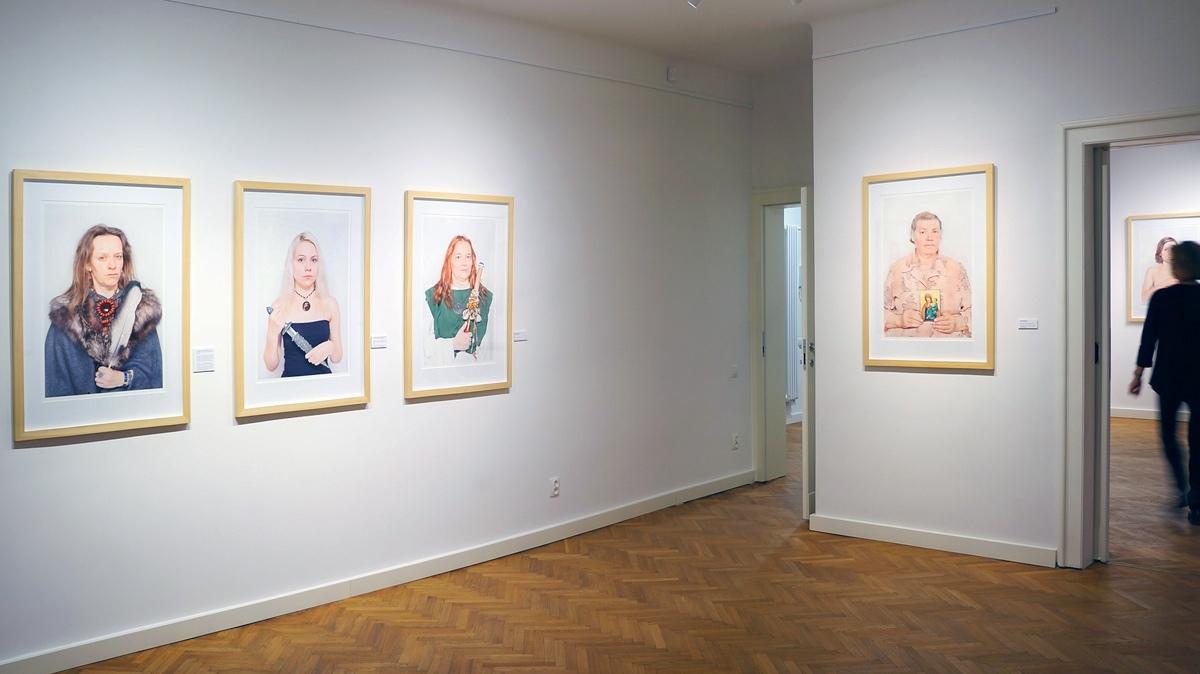 """Widok nawystawę Katarzyny Majak """"Kobiety mocy"""", galeria Ego, 2014"""