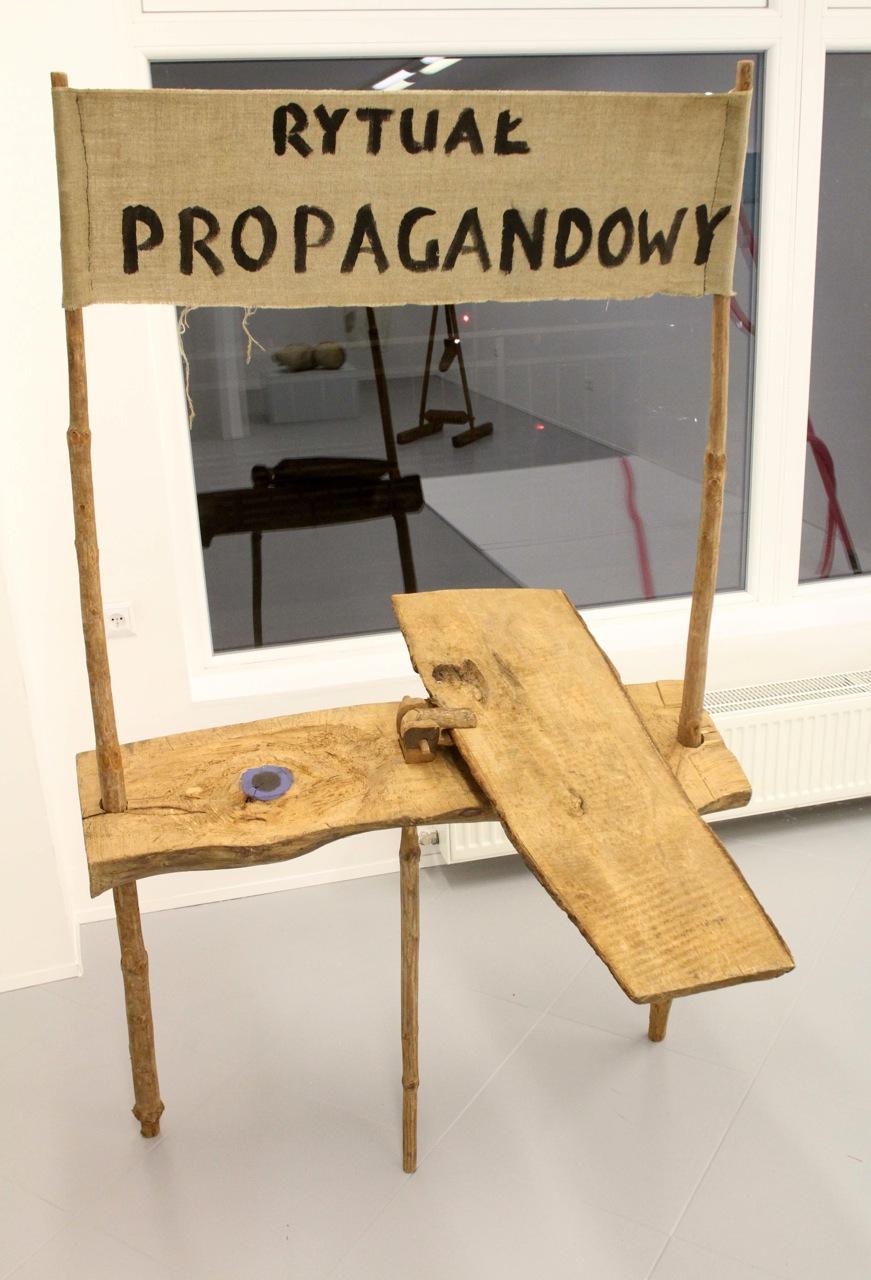 """Jerzy Bereś, """"Rytuał propagandowy"""", 1973 r"""