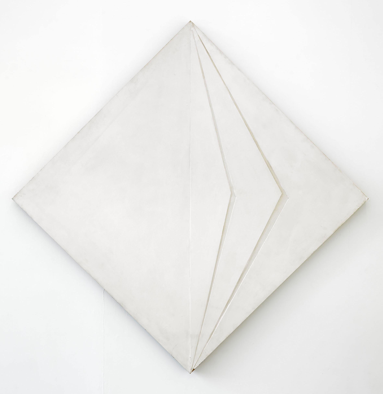 Marian Szpakowski, Relief Biały, 1979, akryl napłycie, drewno