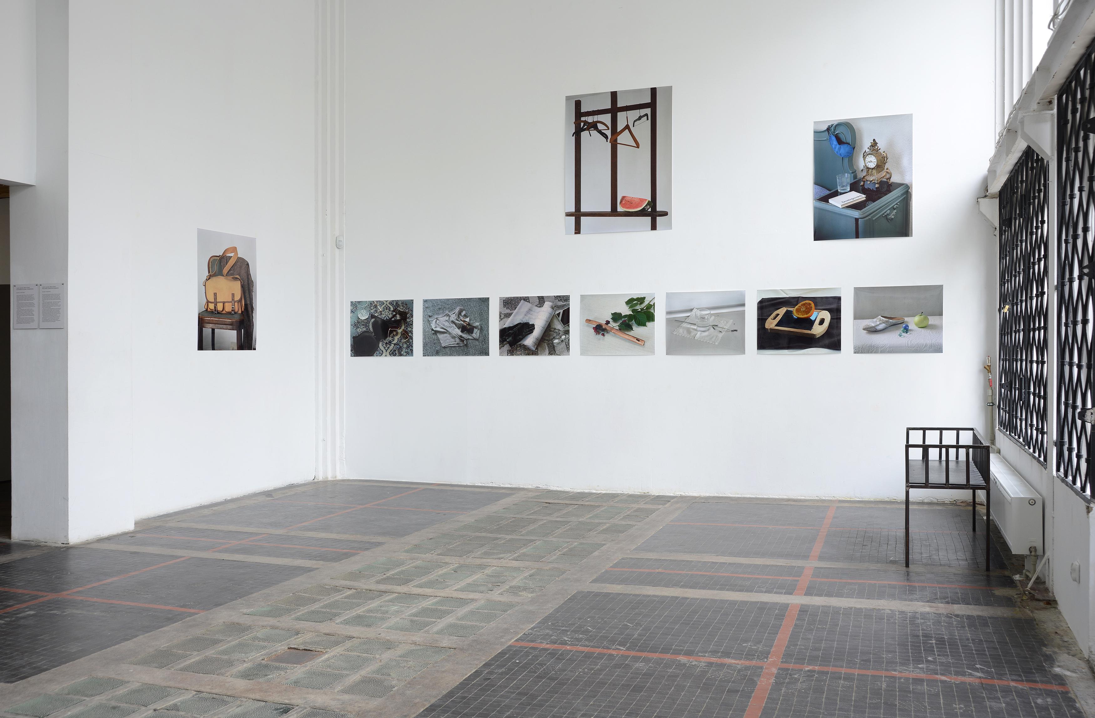 """Lukáš Jasanský iMartin Polák, seria """"Fotografia barwna"""", 2010, druk lambda napapierze Kodak Endura, 21 fotografii, różne wymiary, dzięki uprzejmości galerii Raster"""