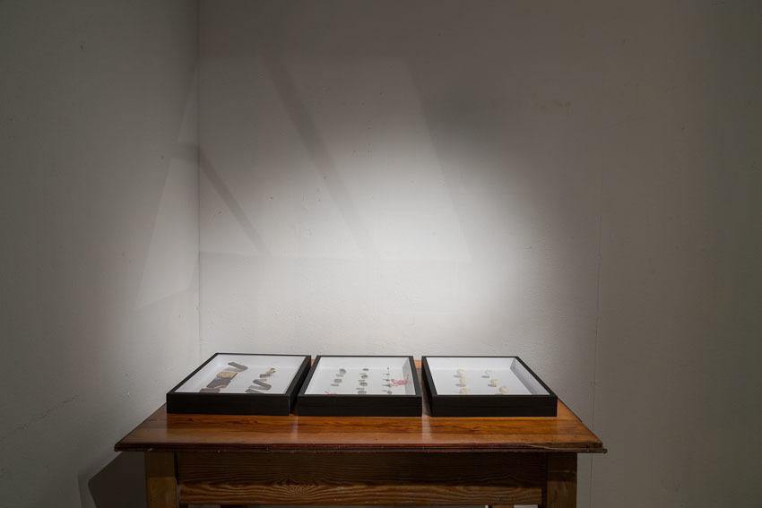 """Pavlína Fichta, """"Čierna Collection"""", 2005-2009, obiekty"""