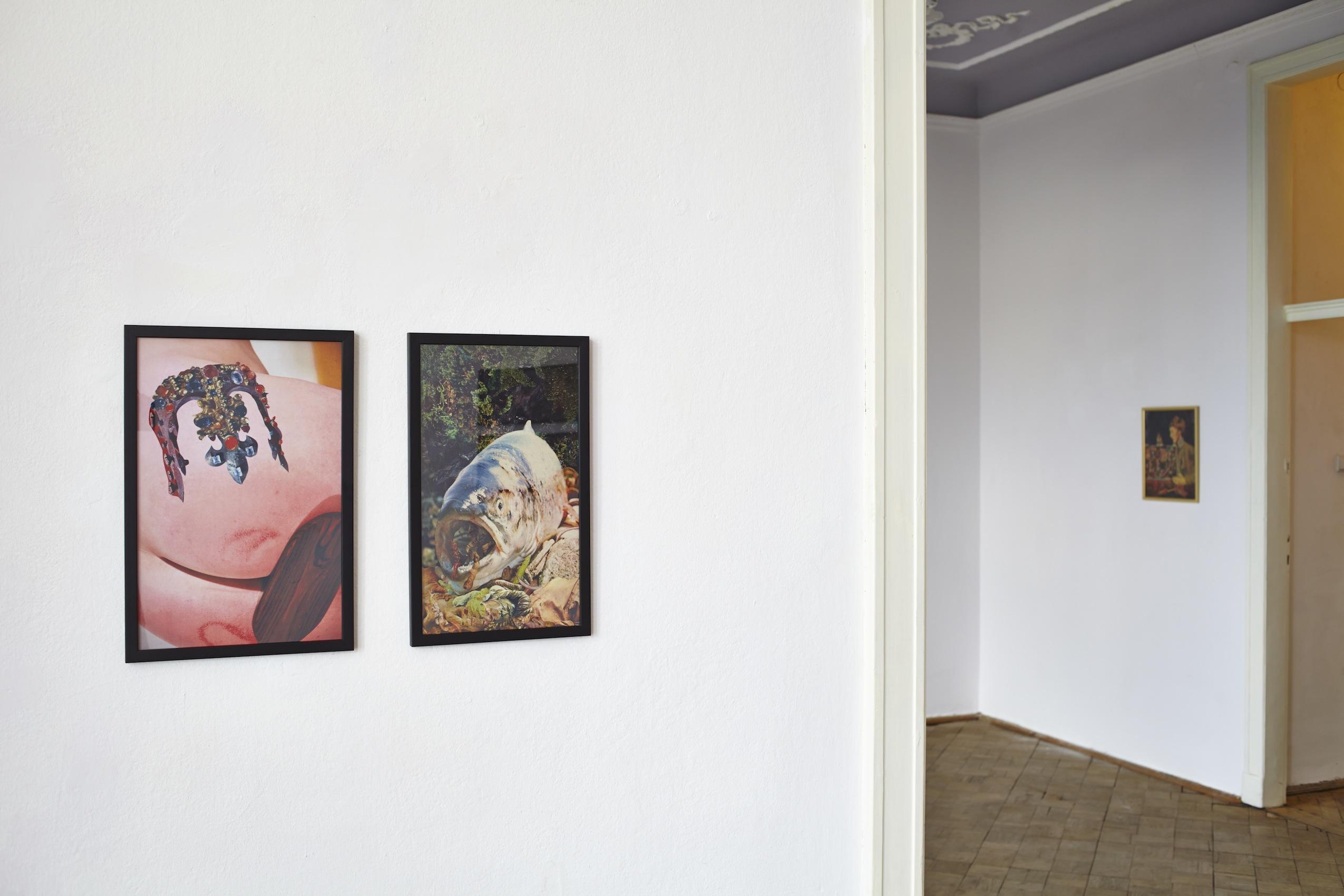 Konrad Maciejewicz, beztytułu, 2014, kolaże napapierze; Self-portrait with Daddy, 2013, kolaż napapierze