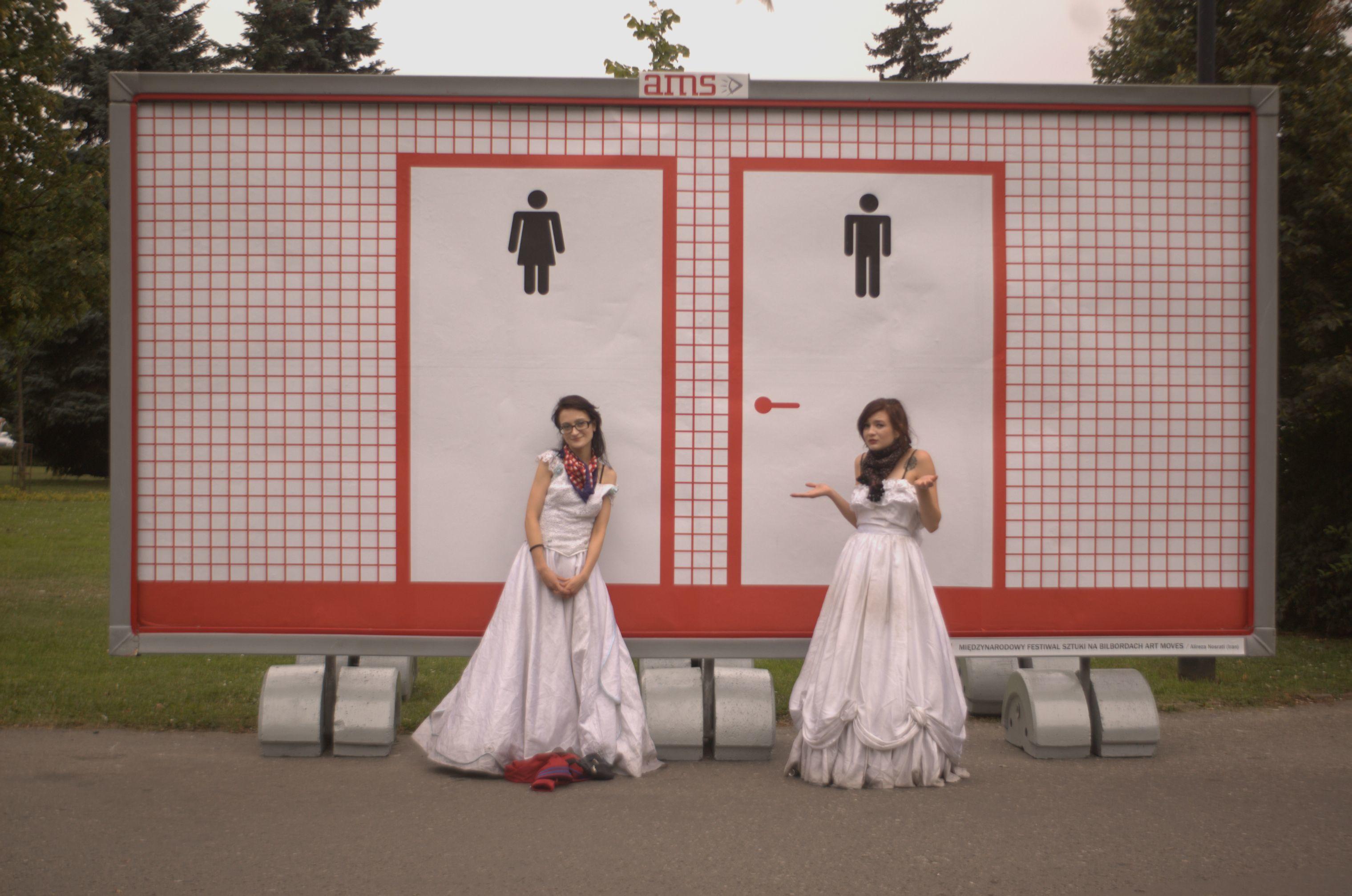 """Zdjęcie zkontrowersyjnej serii """"Podróż"""", fot.Zuzanna Larysz"""