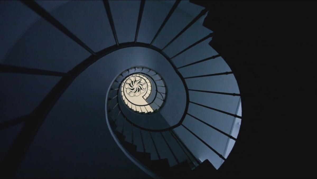 Między miejscem aprzestrzenią: architektoniczne rozterki Bunkra Sztuki
