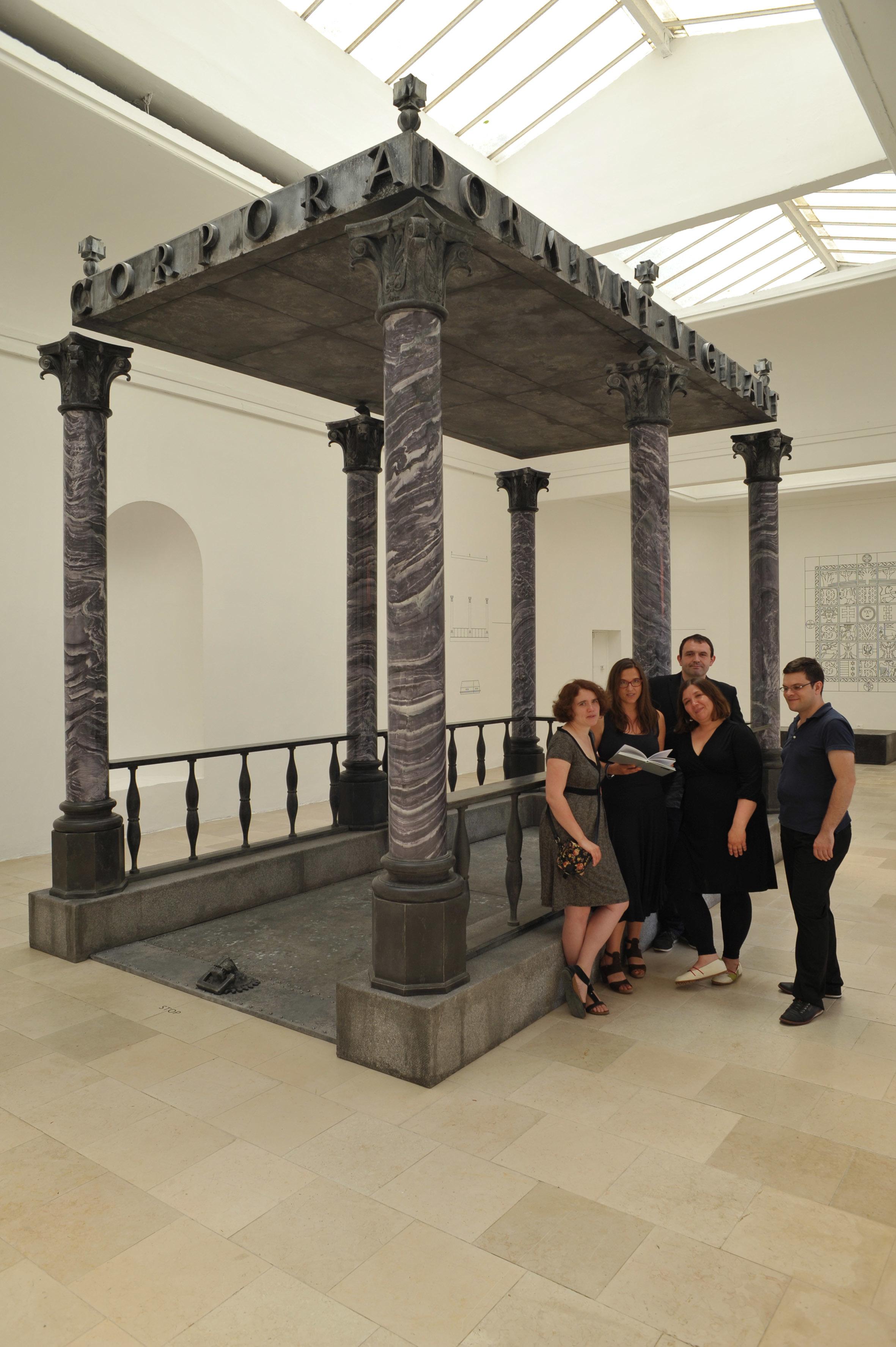 Od lewej: Dorota Jędruch, Marta Karpińska, Michał Wiśniewski, Dorota Rychlak-Leśniak (zespół kuratorski, Instytut Architektury) praz Jakub Woynarowski (koncepcja artystyczna)