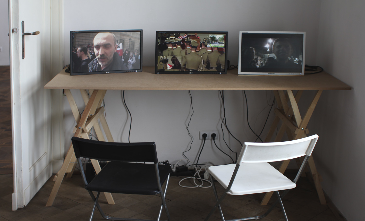 Instalacja wideo, Christoph Draeger, The Men who Stole the Moon, 2010, wideo HD, 26 miniA. Żmijewski, Katastrofa, 2010, wideo HD, 56 min