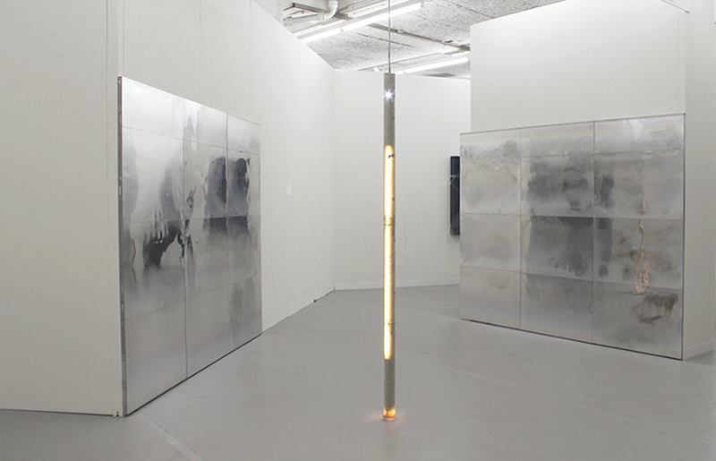 Galeria Stereo naListe pokazała instalację Piotra Łakomego