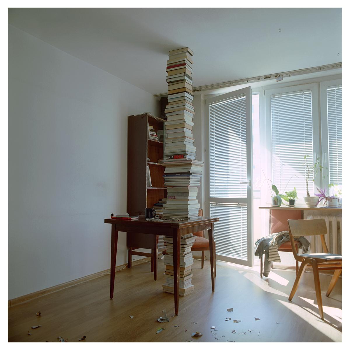 Książki, Michał Grochowiak, 55x55, 2014, dzięki uprzejmości Galerii Starter