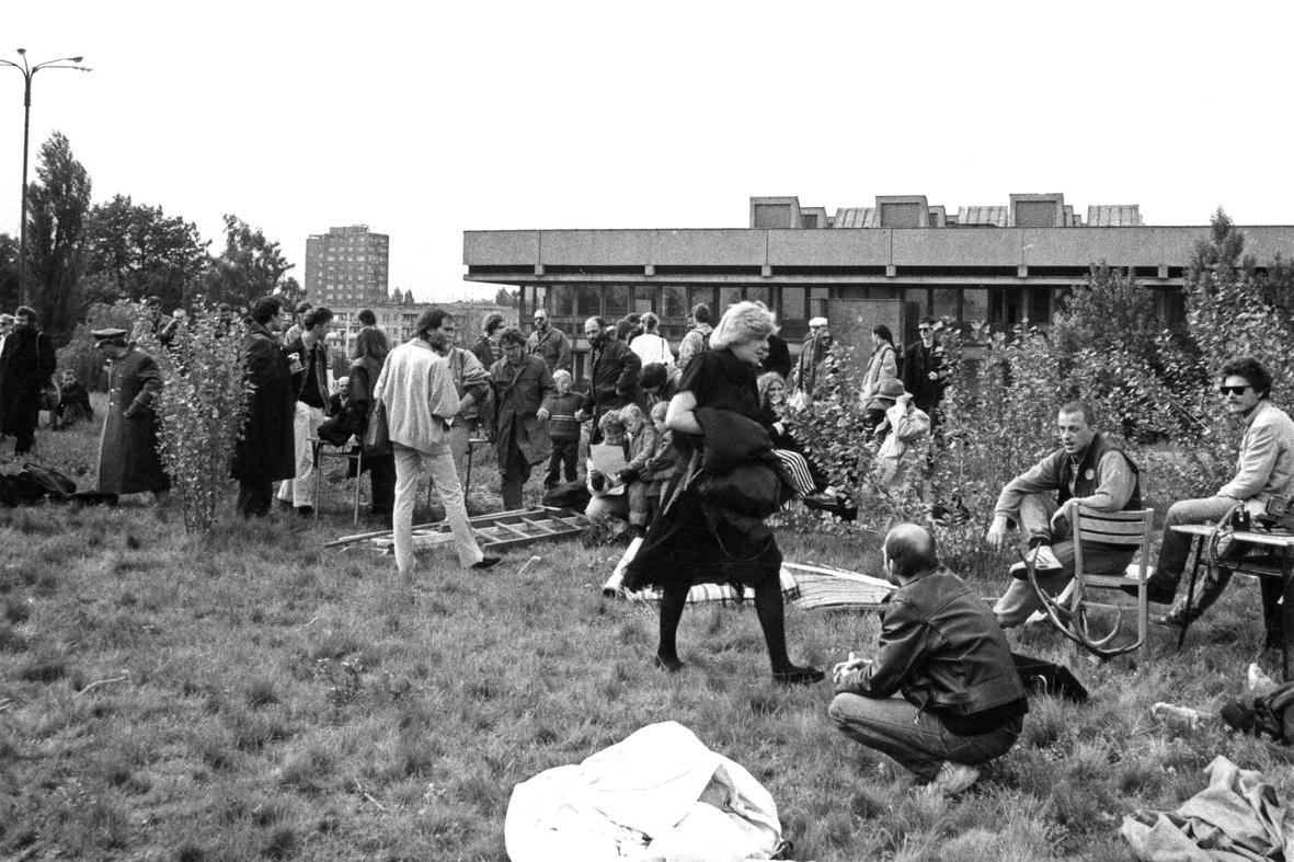 """Grupa Łódź Kaliska, Aranżacja zdjęcia ifilmu wg. obrazu Hieronima Boscha """"Wóz zsianem"""",1988"""