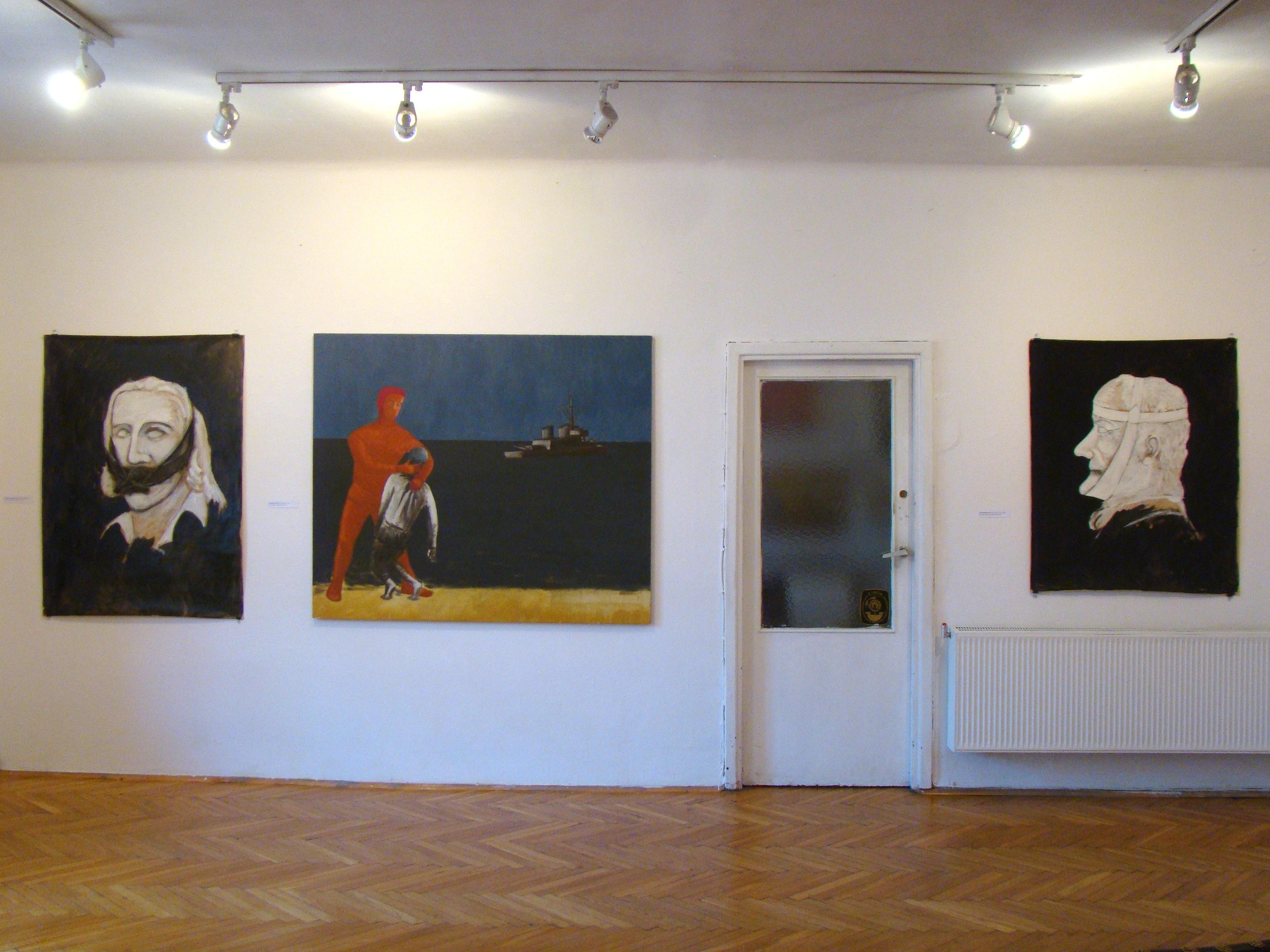 """Jarosław Modzelewski, """"Stare papiery, nowe obrazy"""", galeria Zderzak, widok nawystawę"""