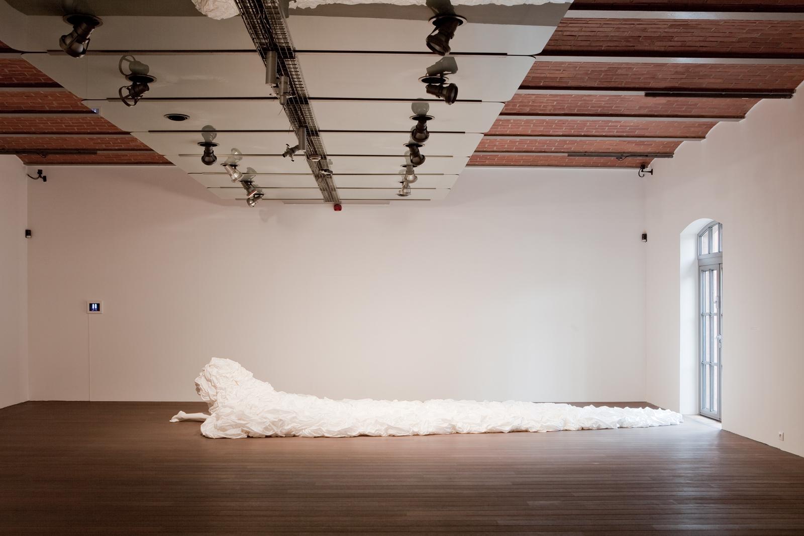 """""""Instalatorzy"""", Art Stations Foundation, widok naywstawę"""