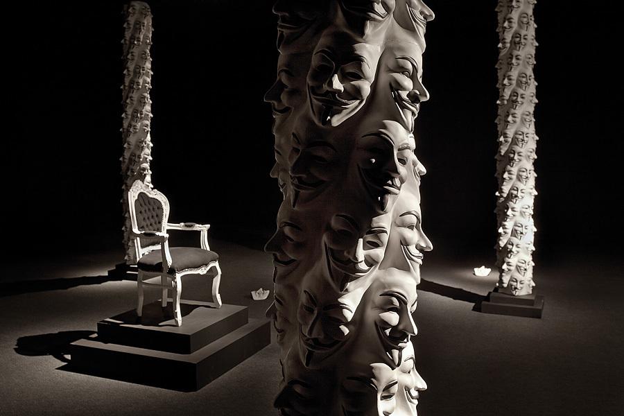 Adrian Tranquilli, PoZachodzie, 2014, widok instalacji wCentrum Sztuki Współczesnej Znaki Czasu, dzięki uprzejmości artysty, Fot.Wojciech Olech